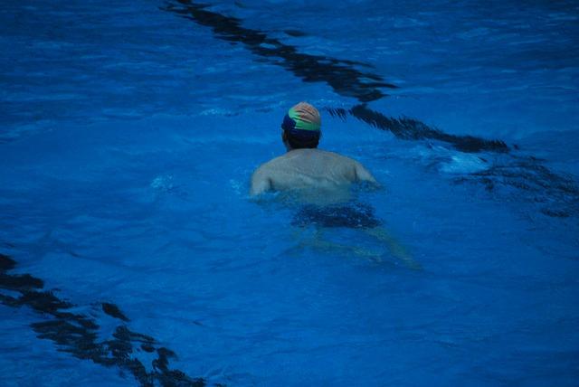 plavání ve tmě.jpg