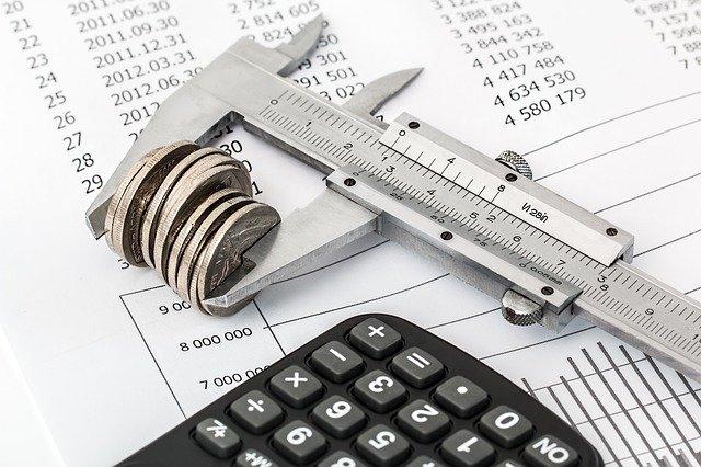 rozpočet a kalkulačka.jpg