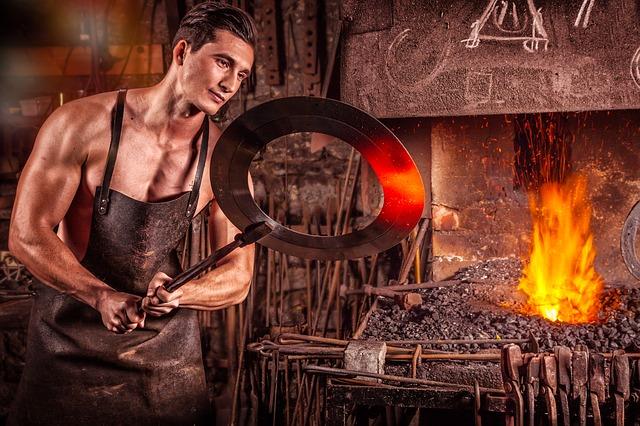 mladý kovář